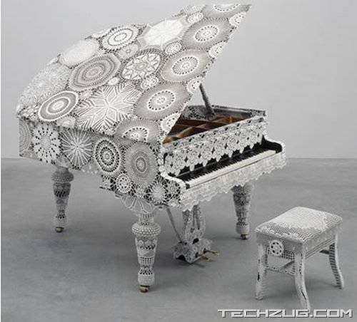 Piano Dentelle looks Dainty and Plays a Fine Tune